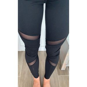 Old Navy Mesh Cut Out Active Legging Pants